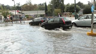 Καιρός: Βροχές και καταιγίδες και τη Δευτέρα - Σοβαρά προβλήματα λόγω του «Ζήνωνα»