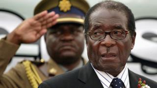Ο Μουγκάμπε θα υποβάλλει την παραίτηση του - Αναμένεται διάγγελμα