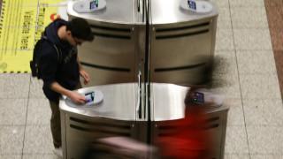 Ηλεκτρονικό εισιτήριο: Κλείνουν οι μπάρες σε τέσσερις σταθμούς