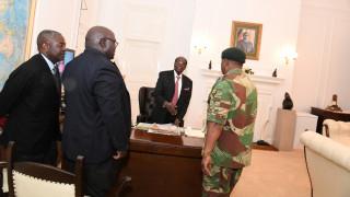 Ζιμπάμπουε: Η επιστολή παραίτησης είναι έτοιμη αλλά ο Μουγκάμπε δεν παραιτείται