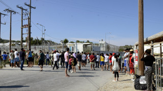 Μυτιλήνη: «Νέκρωσε» το νησί από τη γενική απεργία για το προσφυγικό (pics)