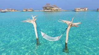 Ξυπόλητη... πολυτέλεια στις Μαλδίβες