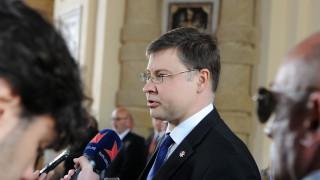 Ντομπρόβσκις: Απολύτως εφικτή η ολοκλήρωση της τρίτης αξιολόγησης μέχρι τις 4 Δεκεμβρίου