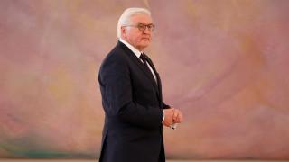 Ποιος είναι ο Φρανκ Βάλτερ Στάινμαϊερ, ο άνθρωπος που καλείται να βγάλει τη Γερμανία από το αδιέξοδο