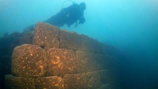 Σπουδαία ανακάλυψη στην Τουρκία: Κάστρο 3.000 ετών ήταν «κρυμμένο» στον βυθό της λίμνης Βαν
