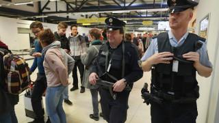 Οι Γερμανοί δίνουν εξηγήσεις για τους ελέγχους σε επιβάτες από Ελλάδα