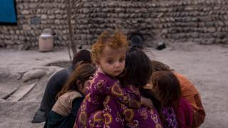 Φαγητό από τα σκουπίδια και «μάχη» με την πείνα: Η τρομακτική καθημερινότητα των Σύρων
