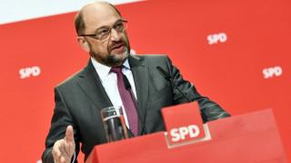 Bloomberg: O Σουλτς είναι πλέον έτοιμος να συζητήσει με τη Μέρκελ για το σχηματισμό κυβέρνησης