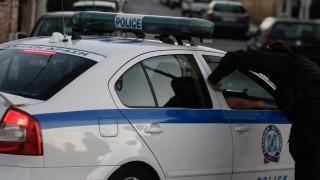 Πειραιάς: Οι Αρχές έπεισαν τον άνδρα να μην αυτοκτονήσει (pic)