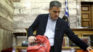 «Άδικος» ο προϋπολογισμός αλλά «δίκαιος» υπό τις παρούσες συνθήκες, λέει ο Τσακαλώτος