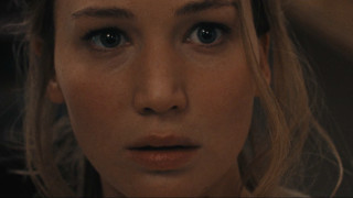 Jennifer Lawrence: «Νιώθω σαν να με βίασε ομαδικά όλος ο πλανήτης»