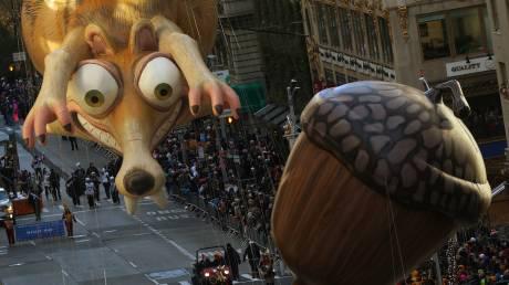 Μεγαλειώδης παρέλαση στη Νέα Υόρκη για την Ημέρα των Ευχαριστιών