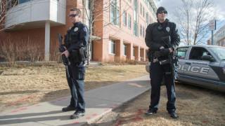Πυροβολισμοί με τραυματίες σε πάρκινγκ σχολείου στο Ντένβερ