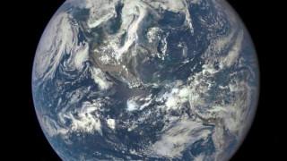 Πρώην κασκαντέρ προσπαθεί να αποδείξει ότι η Γη είναι επίπεδη με αυτοσχέδιο πύραυλο