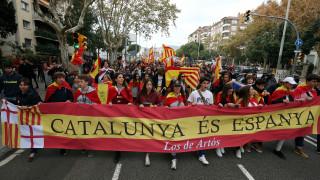 Καταλονία: Στήθος με στήθος υποστηρικτές της ανεξαρτησίας και ενωτικοί σε δημοσκόπηση
