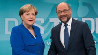 Γερμανία: Επίσημη πρόσκληση Μέρκελ στο SPD για διερευνητικές συνομιλίες