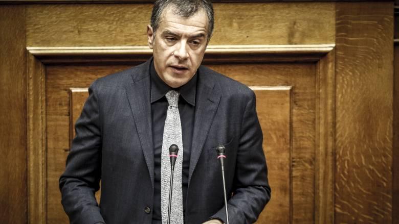 Θεοδωράκης: Απέχθεια προκαλεί στην κοινωνία και την Ευρώπη η συμμετοχή Καμμένου στην κυβέρνηση
