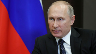 Ο Πούτιν ανησυχεί για επιδείνωση της δημογραφικής κατάστασης και «μοιράζει» επιδόματα