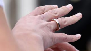 O γάμος μειώνει... τον κίνδυνο εμφάνισης άνοιας