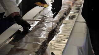 Στα ρεκόρ Γκίνες η Καρδίτσα με τη μεγαλύτερη νουγκατίνα σοκολάτα στον κόσμο (pics)