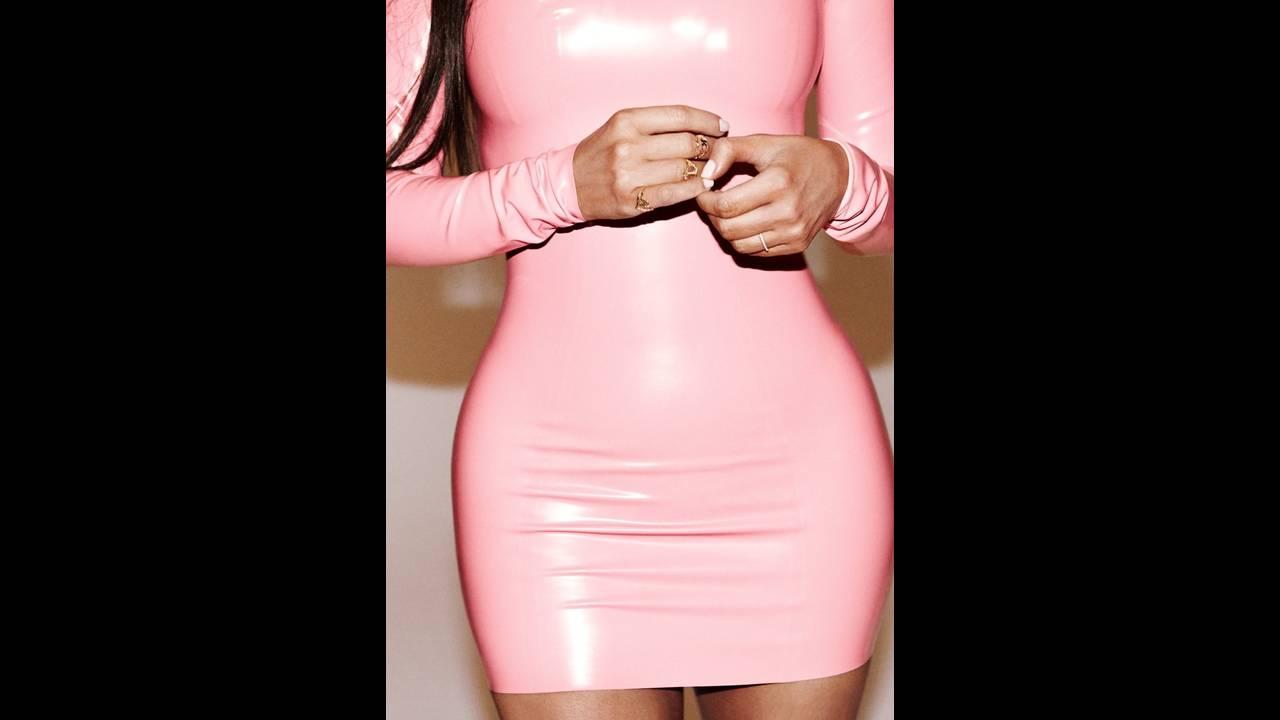 https://cdn.cnngreece.gr/media/news/2017/11/29/107645/photos/snapshot/Kim-Kardashian-Alure-October-2017-Cover-Photoshoot04.jpg