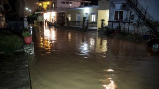 Σαρώνει το κύμα της κακοκαιρίας: Σε κατάσταση έκτακτης ανάγκης Αγρίνιο και Μεσολόγγι (pics&vid)