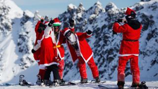 Σκιέρ Αγιοβασίληδες «κατακτούν» τις πίστες της Ελβετίας