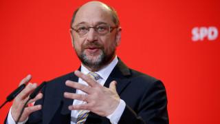 Σουλτς: Εισηγείται συμμετοχή του SPD σε διαπραγματεύσεις για μεγάλο σχηματισμό