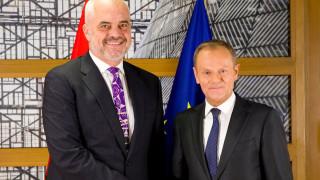 Τουσκ προς Ράμα: να διατηρηθεί το μομέντουμ στις μεταρρυθμίσεις του κράτους δικαίου