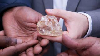 Διαμάντι της Ειρήνης: απογοήτευση στη Σιέρα Λεόνε - πωλήθηκε μόλις 6,5 εκατομμύρια δολάρια