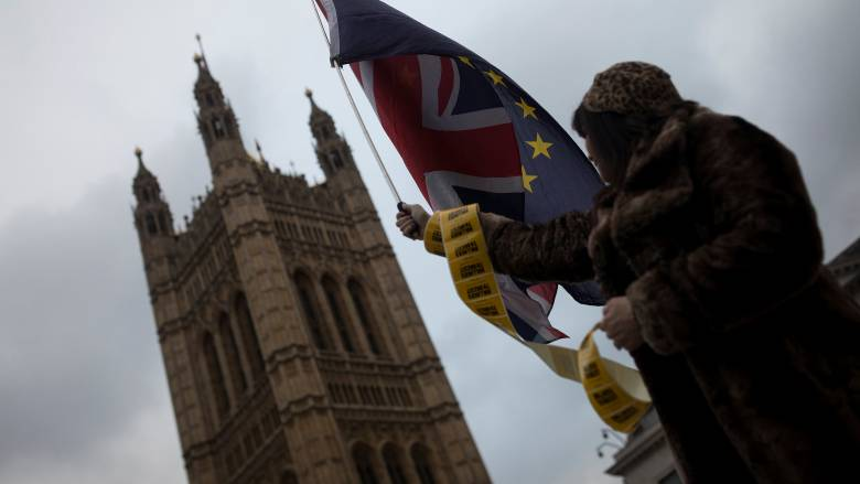 Τηλεφωνική επικοινωνία των πρωθυπουργών Βρετανίας – Ιρλανδίας για το Brexit