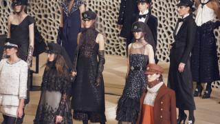 Chanel: στο Αμβούργο του Καρλ Λάγκερφελντ το λυρικό Metiers d'Art 2018