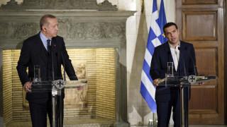 Ελληνική κυβέρνηση: Oύτε βήμα πίσω παρά τις προκλήσεις-Τι συμφωνήθηκε στις διμερείς επαφές