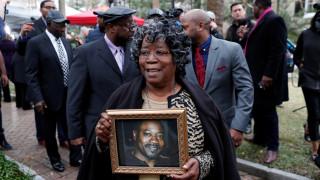 ΗΠΑ: Κάθειρξη τουλάχιστον 19 ετών σε βάρος αστυνομικού που σκότωσε Αφροαμερικανό