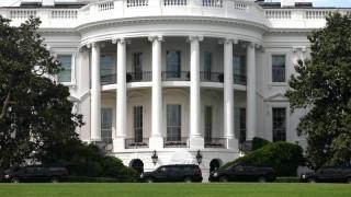 Λευκός Οίκος: «Αντιπαραγωγική» μια πιθανή ακύρωση της συνάντησης Πενς- Αμπάς