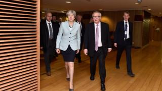 Brexit: Εκτάκτως στις Βρυξέλλες η Μέι, «λευκό καπνό» βλέπει συνεργάτης του Γιούνκερ