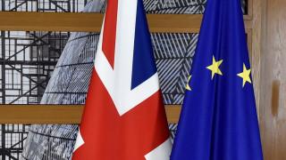 Brexit: «Πράσινο φως» για τη δεύτερη φάση των διαπραγματεύσεων