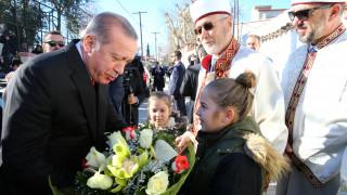 Επίσκεψη Ερντογάν: Στο μειονοτικό Γυμνάσιο-Λύκειο βρέθηκε ο Τούρκος Πρόεδρος (pics)