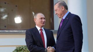 Στην Άγκυρα ο Πούτιν για συνάντηση με τον Ερντογάν