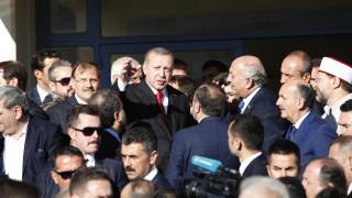 Ερντογάν σε μουσουλμάνους της Δυτικής Θράκης: Είστε η γέφυρα της Τουρκίας με την Ελλάδα