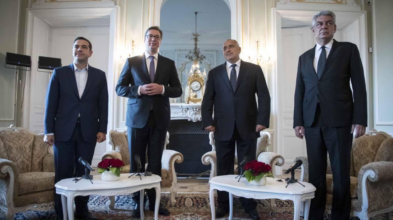 Στο Βελιγράδι ο πρωθυπουργός – Τι θα συζητηθεί στην Τετραμερή