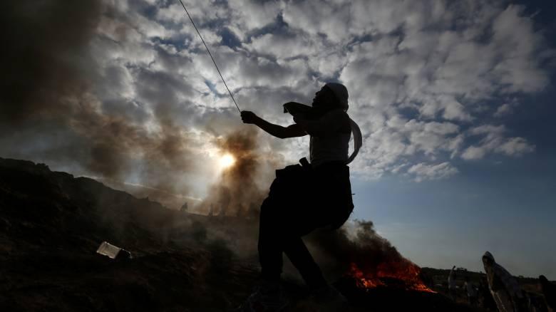 Αεροπορικές επιδρομές, βίαιες συγκρούσεις και παγκόσμια ανησυχία