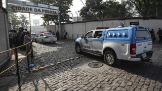 Βραζιλία: Συνελήφθη νεαρός που οδηγούσε το μηχανάκι του σαν «Superman» (vid)