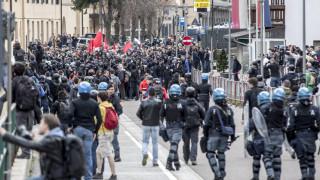 Ιταλία: Μαζική πορεία κατά του νεοφασισμού και του νεοναζισμού στο Κόμο