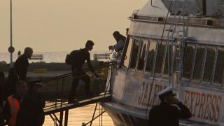 Ακόμη 265 μετανάστες και πρόσφυγες αναχώρησαν για τον Πειραιά από τη Μυτιλήνη
