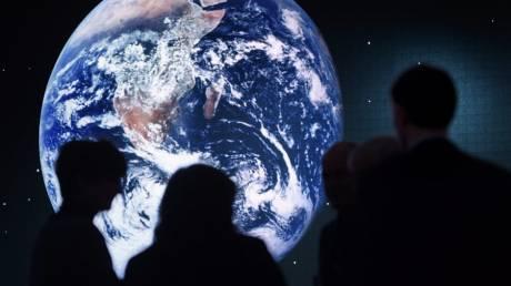 Οι επιστήμονες απέδειξαν πως η Γη... μουρμουρίζει