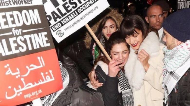 Βella Hadid: υπερασπίζεται μια ελεύθερη Παλαιστίνη σε πορεία διαμαρτυρίας κατά του Τραμπ