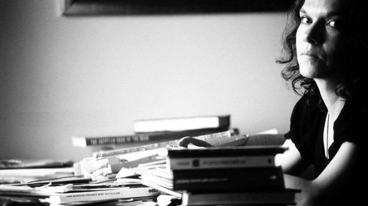 Στη συγγραφέα & ακτιβίστρια Ασλί Ερντογάν το βραβείο Σιμόν ντε Μπωβουάρ