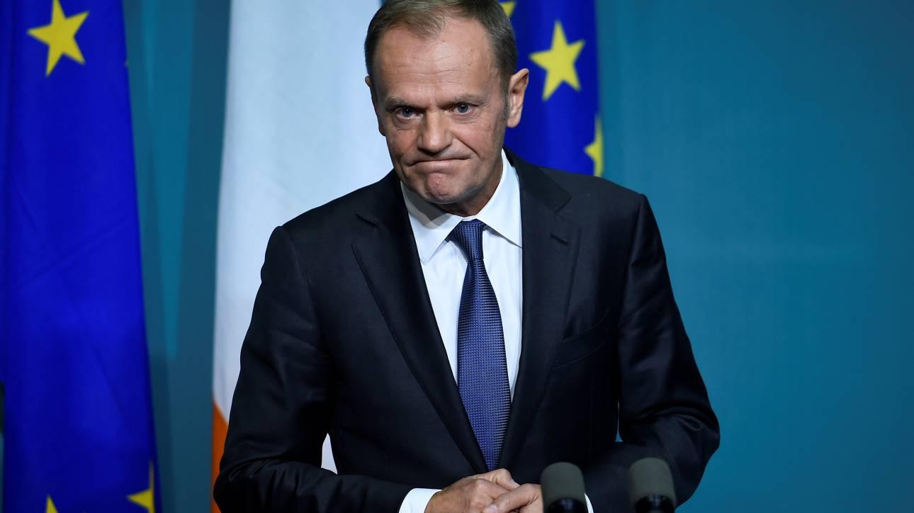 «Βόμβα» Τουσκ: Διχαστικό και αναποτελεσματικό το σχέδιο της ΕΕ για το προσφυγικό