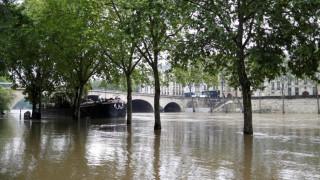 Βόρεια Ιταλία: H κακοκαιρία προκαλεί υπερχείλιση ποταμών